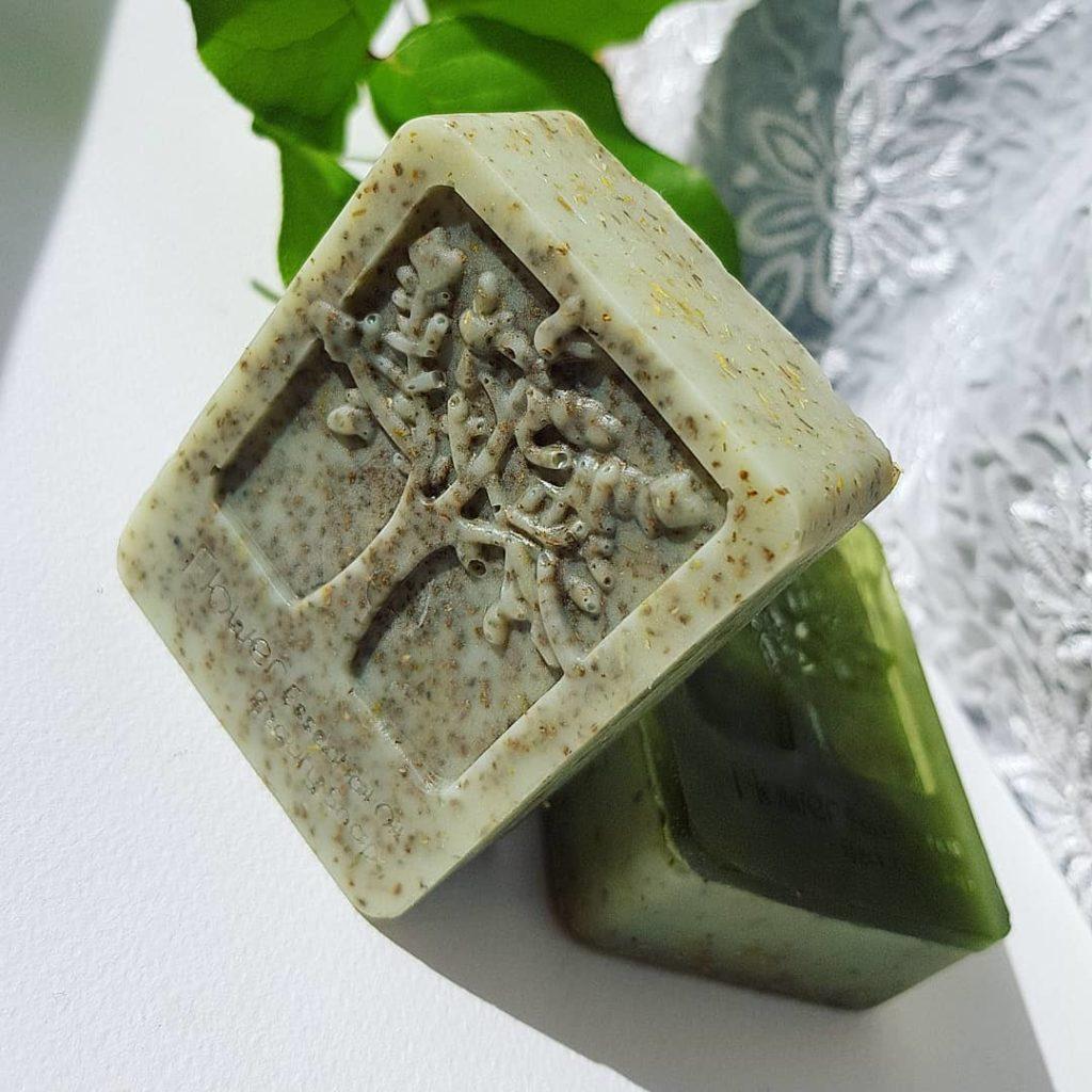 Natura Pura - Flieder & Aloe Vera mit Kamilleblüten